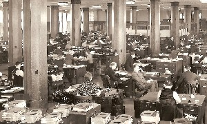 1938 Business Office Detroit News Detroit MI detail OM.jpg (318171 bytes)